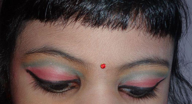 Colorful Eyes lids @http://agileopedia.com/