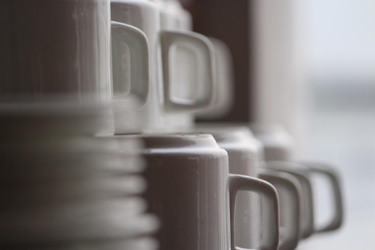 Pile_Cup_Saucer_Shallow