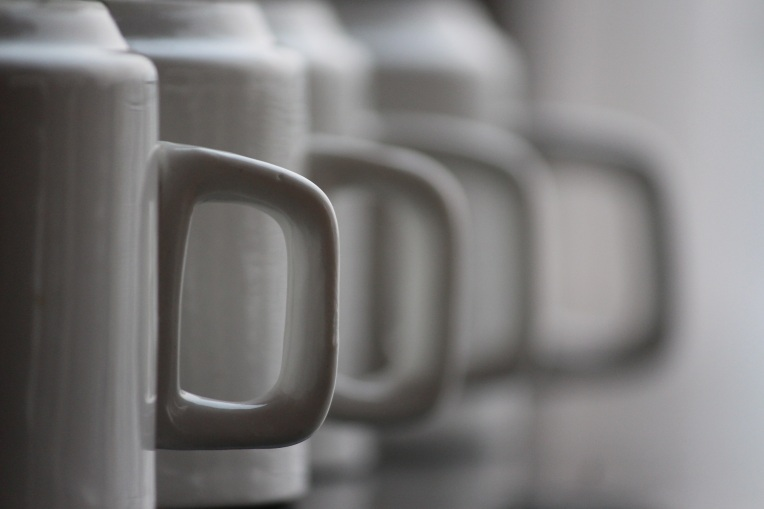White_Coffee_Mug_Handles